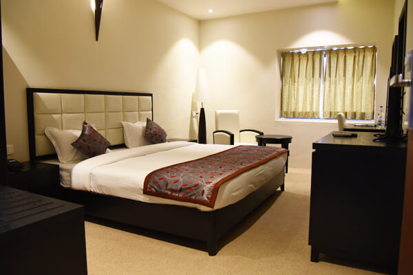 Executive Rooms Viz Park Hotel Anand